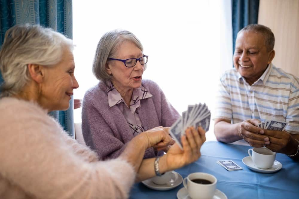How to Choose Between Retirement Home or Home Care?