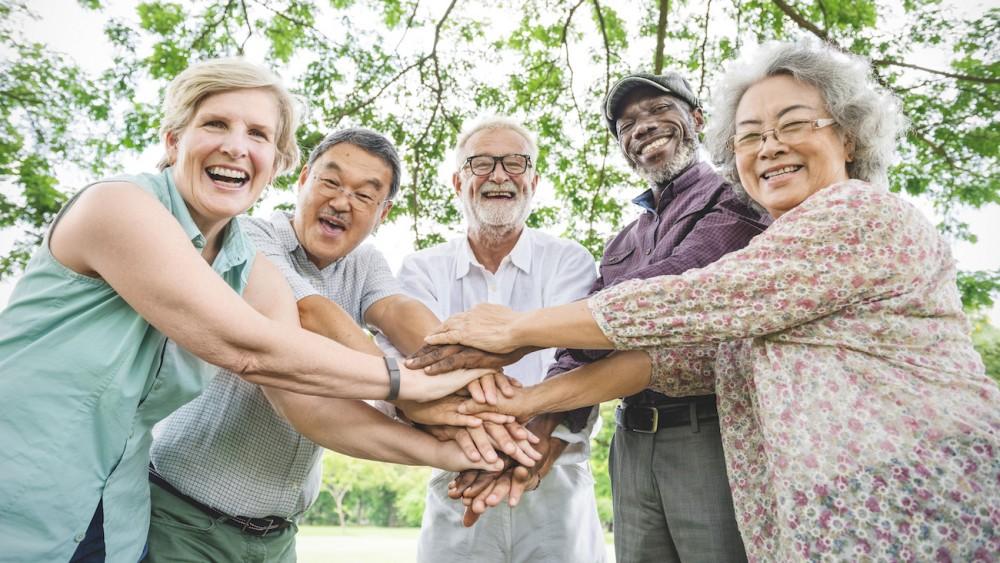 Comment aider les personnes âgées dans leur quotidien?