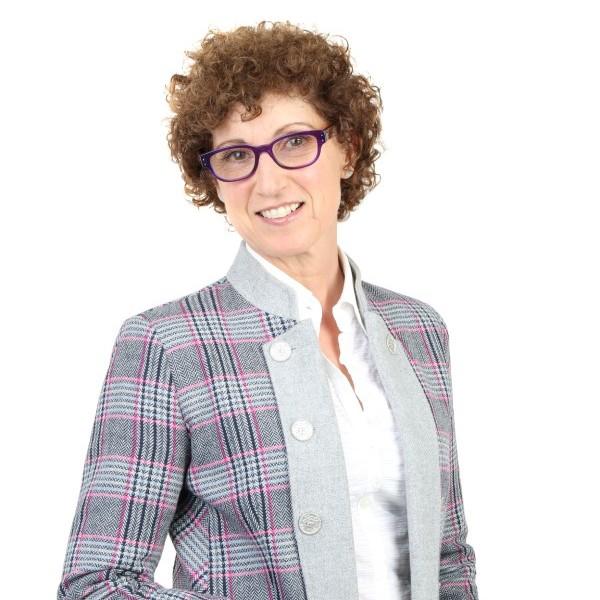 Simone Naggiar , senior housing counsellor