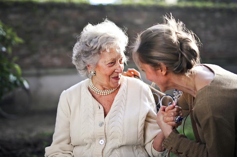 Aborder le sujet de la vieillesse avec une personne âgée