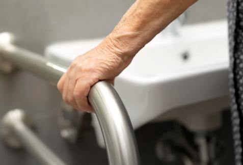 Aménager le domicile d'une personne âgée
